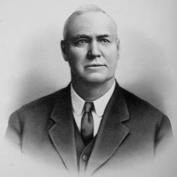 1911-1912 Arthur R. Molyneux