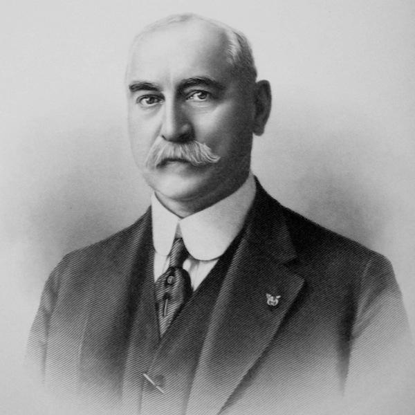1916-1917 James F. Bromwell